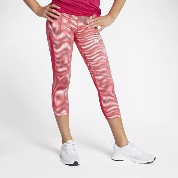9930a4eaf37a Girls Nike Pro HyperCool Capri Leggings